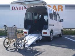 ダイハツ ハイゼットカーゴ スローパー リヤレス+補助シート
