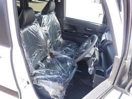 自然な姿勢のままでいられるシートが運転しやすさを感じさせてくれます。