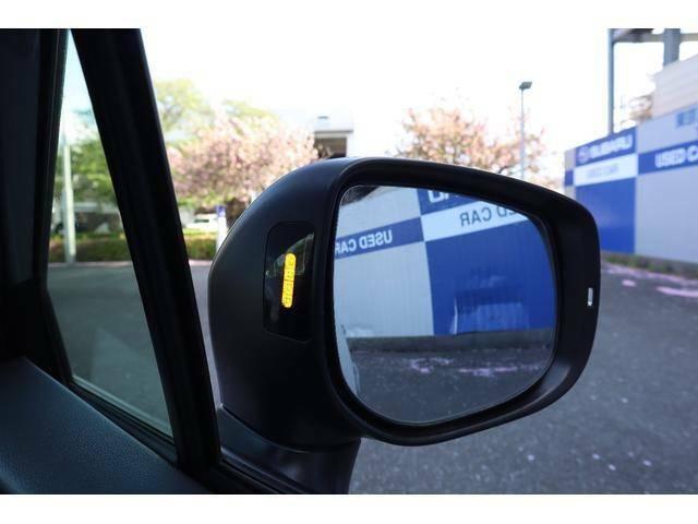 車線変更の際、後方の車をセンサーで感知お知らせするリアビークルディティクション