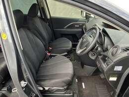 運転席です。シート高さも調整できるのでご安心ください。