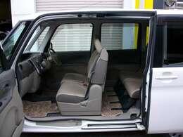 ピラーレスの電動パワースライドドア車!室内広く人気のタント!