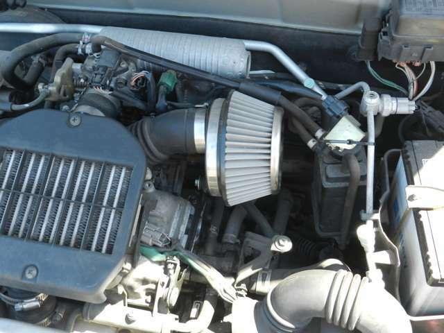 エアクリーナー吸気音がたまらんです。 レジスタ8番レギュラーガソリン仕様