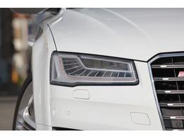マトリクスLEDヘッドライトが装備された後期モデルになります! 21インチAW S8専用4本出しマフラー サンルーフ クーラーヒーター付黒革シート BOSEサウンド DVDチェンジャー