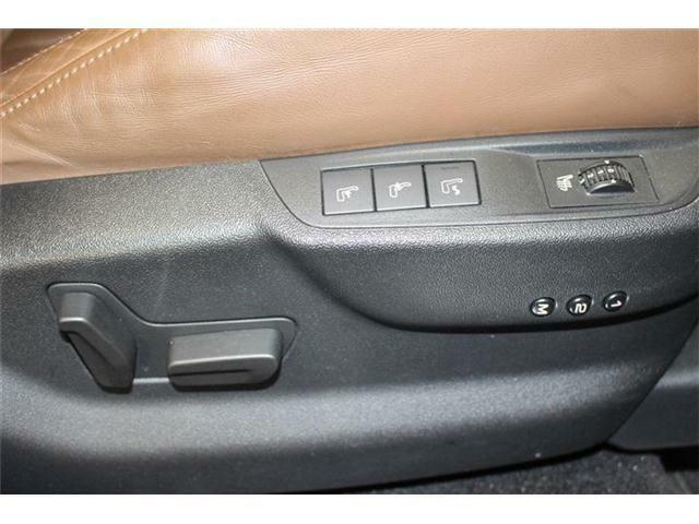 【パワーシート&シートヒーター】シートの移動もボタン操作で簡単に行うことが出来ます!メモリー機能も御座いますので、2パターンでの記憶が可能です!