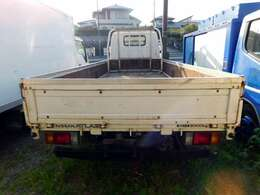 スムーサーE 5MT(クラッチペダル無し)・ディーゼル(NOx・PM適合)・積載量2000kg・荷台寸法435×180・ETC・集中ドアロック
