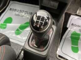ターボのエンジンに走りの5MTで楽しんでください!!