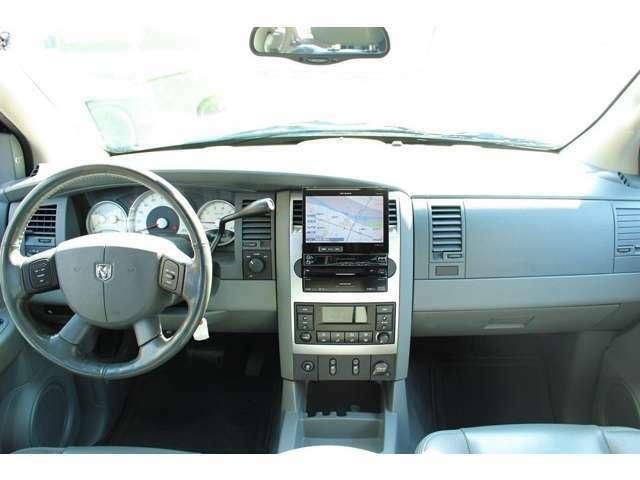 リミテッド5.7V8 4WD 新車並行車 メーター改竄無し パイオニアナビ 純正ホイール 状態良好、ホイール等も綺麗な状態です!