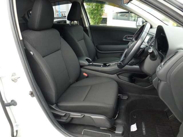 当店に並んでいるすべての中古車には、車両検査専門会社JAAI(JAPAN・AUTO・APPRAISAL・INSTITUTE)発行の「車両状態証明書」をお付けしております。