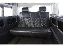 サードシートは1,200mmT-REVOバタフライ!シート縫製はダイヤキルトのボルドー・ホワイト・ブラックの3色よりお選び頂けます!その他縫製オーダーご相談下さい☆