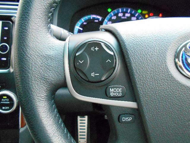 ステアリングスイッチ搭載です!手を離さなくても手元のスイッチで音量調節や選曲操作が出来ます♪運転中、視線をそらさなくても操作が出来て便利です!