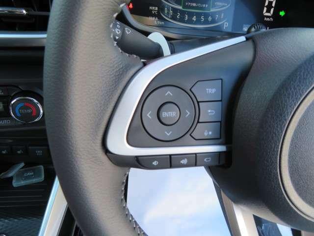 ハンドルにオーディオの操作装備、走行中でもワンタッチで音量、チャンネル操作と携帯の対応等、お勧めロッキーの使い勝手の良い装備です