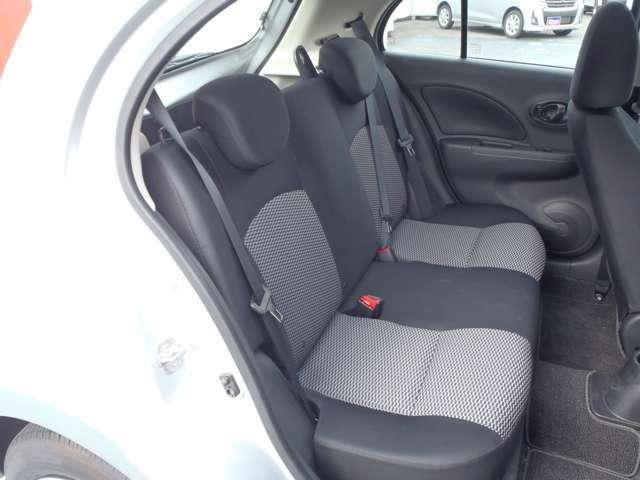 必要十分な装備が揃っています!コンパクトカーなのに室内の広さを感じる内装になっていますよ!