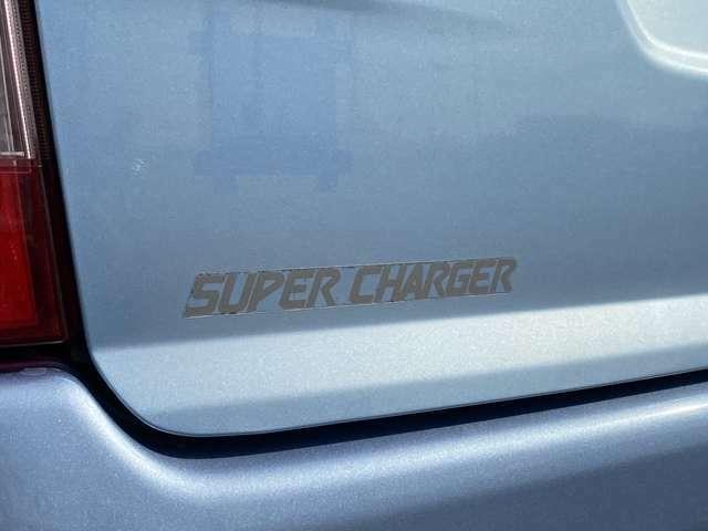 今回紹介させていただく車両は、H22サンバーバンです。グレードはディアススーパーチャージャーです。スバル生産最終型です。