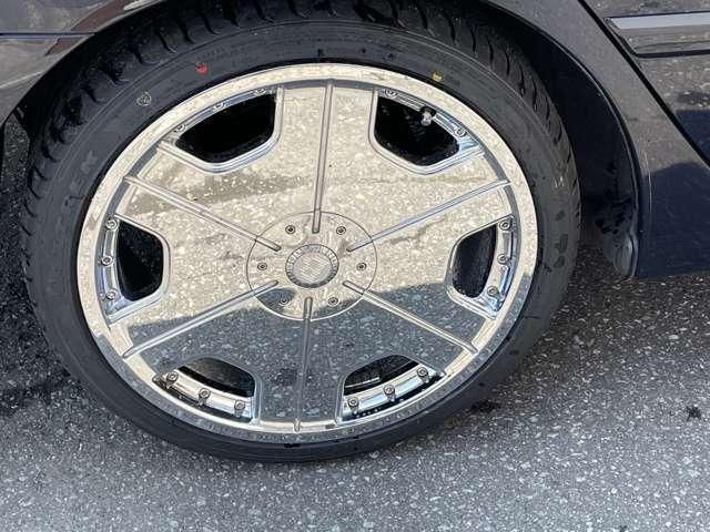 新品タイヤ!メッキアルミで輝いてます(^^♪