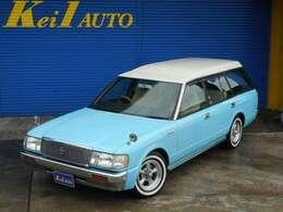 もちろん、事故歴無しの実走行車です!前オーナーによりライトブルーに、全塗装済ですので、とてもキレイですよ!さらには、当店にて、天井をアイボリーホワイトに、塗装を施しました!旧車感&アメ車感タップリ!!