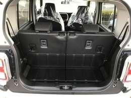 背が高い車ならではですが大きな開口部の荷台スペースはとても広々としています。大きな荷物も簡単に出来ますよ。大は小を兼ねると言いますしスペースは大きいに越したことはないですね!