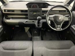 オートエアコンになります。オートモードにしていれば自動で温度調節をします。車内はいつも快適に♪