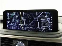 12.3インチのワイドディスプレイ。G-LinkセンターにてVICSによる最新の道路交通情報に加え、ユーザーの走行情報から生成した独自の交通情報をもとに、道路状況を予測し、最適なルートを配信します。