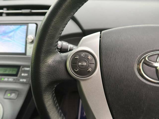 【ステアリングスイッチ】運転中、前方から目線をそらすことなく、オーディオ等の操作が可能な便利機能!安心&快適なドライブを演出してくれます♪