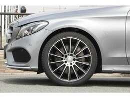 ■C250スポーツ専用AMG19インチホイールを装着!■キャリパー塗装や低ダストブレーキパッド、パナメリカーナグリル等の追加カスタムもお気軽にご相談下さい!■