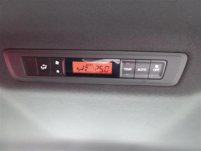 リアエアコン付き♪ 前席とは別々に温度調節ができて、便利ですね☆