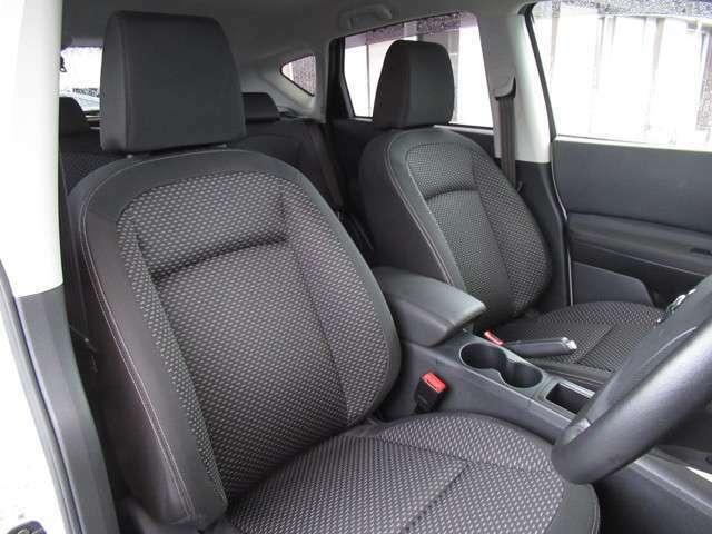 シートのへたりもなく、綺麗な車内です