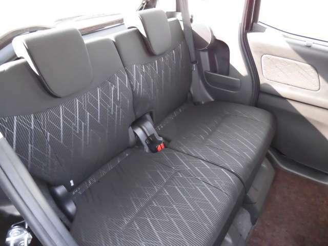 もし店頭にお越しいただけるなら、ぜひ後席に座ってみてください★車内の広さを実感していただけると思います☆