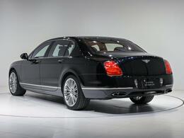 ボディサイズは全長5290×全幅1916×全高1475(mm)。車両重量は2440kgになります。