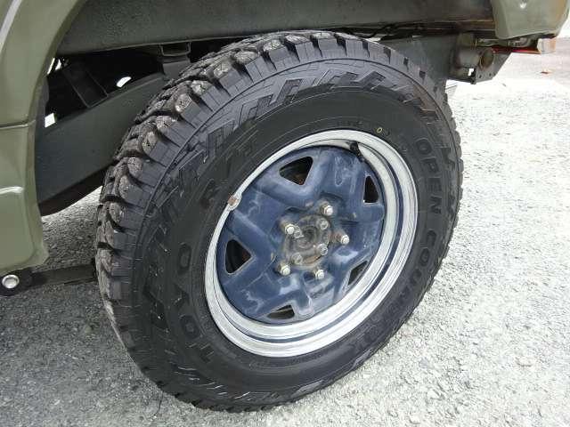 タイヤは4本とも新品なので、納車後も安心ですね◎