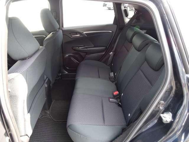 リア席シートもゆったり快適に座れますので、後部座席にお乗りの方も楽しくドライブに参加していただけます♪もちろんチャイルドシートの取り付けにも対応します★