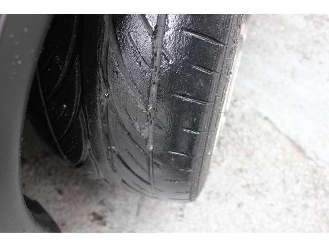 タイヤは山少ないので交換をオススメします!