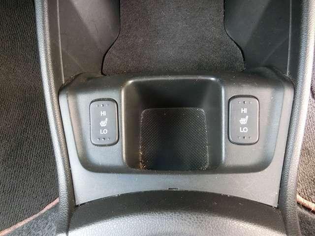 運転席&助手席シートヒーター付き