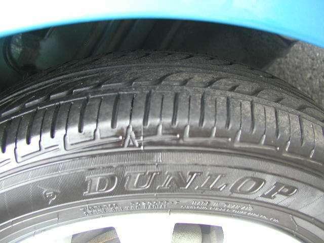 今人気のエコタイヤ装着!天然資材などの環境に優しい材質から製造されたエコタイヤは普通のタイヤより転がりやすくできています。その為、ガソリンの消費が少ないというメリットがありますよ。