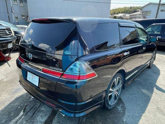 当店の車を拝見して頂き、ありがとうございます!当店では状態、程度のよい車両を、より安くをモットーに販売させて頂いております!