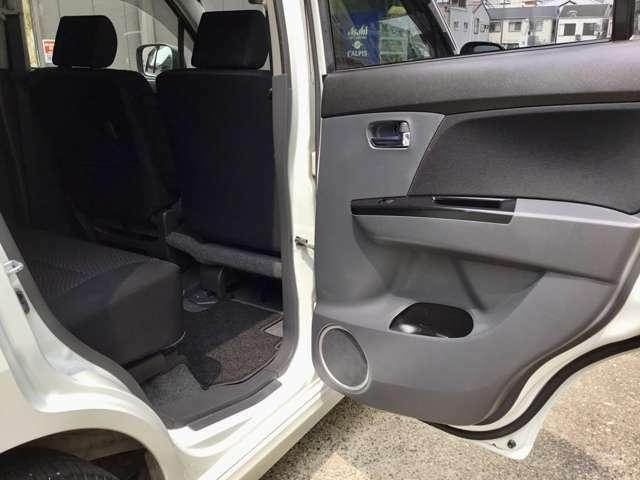 後席は更にグッドコンディションです!使用頻度が少ないので当然ですが、前オーナー様が大事に使っていたことが一目瞭然です♪この状態ならばご遠方様も現車確認がご不要なレベルといっても過言ではありません!!