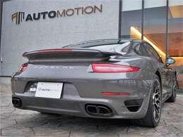 911ターボS スポーツクロノ/ホワイトメーターパネル/赤革アダプティブスポーツシートプラス/18Wayパワーシート/シートヒーター/シートメモリー/PCCB/PDLS+/前後アクティブスポイラー/PDCC/BOSE/クルーズコントロール
