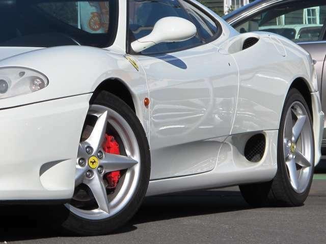 車両の詳細画像をご覧になりたい方は、office@car-wing.comまでお問い合わせ下さい。