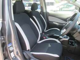 運転席は乗り心地が良く快適にお乗り頂けます!