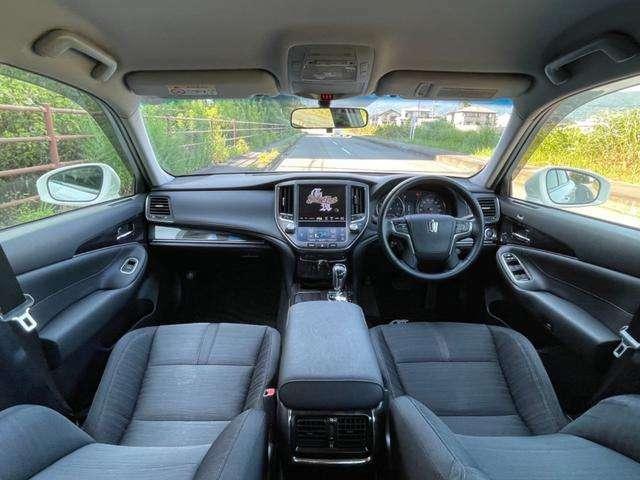 室内装備も充実!純正メーカーHDDナビ・フルセグTV・DVD再生・バックカメラ・ETC・Bluetooth機能・USBなどが装備!運転席・助手席共にパワーシート付!さすが高級車!豪華装備満載の一台です