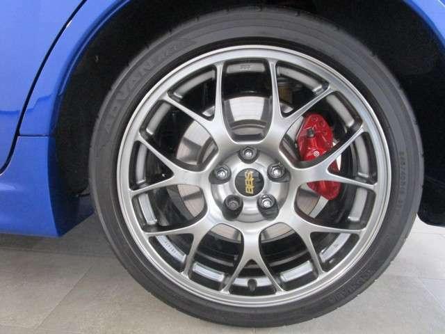 タイヤサイズは、245/40R18 BBS鍛造ホイール付き