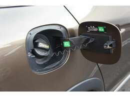 燃料はディーゼルです。容量は67リッター、JC08モード燃費は19.5km/L。東京⇔名古屋間も往復無給油で悠々走れます