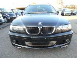 BMWと言ったらやはり黒ですよね(*´з`)ボディも光沢しっかりあります