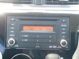 純正オーディオ、FM/AMラジオ・CDなどが楽しめます。
