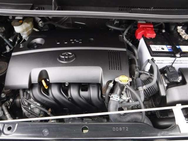 エンジン点検・電装品チェック・走行チェック・リフトアップしてボディ&エンジンの下廻りチェック迄、細かく点検しています。トヨタカローラ博多はお客様に安全、安心をお届け致します!!