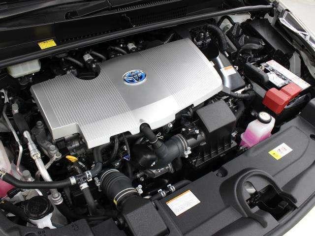 2ZR-FXE型 1.8L 直4 DOHCエンジンとフロント1NM型、リヤ1MM型 交流同期電動機のハイブリッドシステム搭載、E-Four(電気式4輪駆動)の組み合わせです。