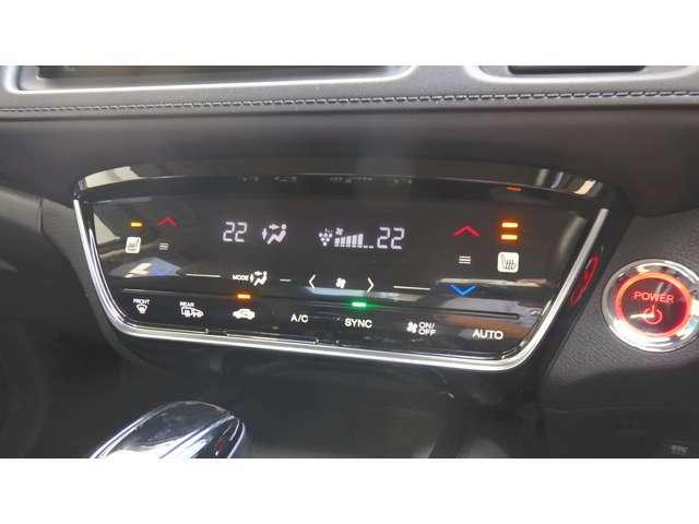 左右独立温度コントロール式フルオート エアコン運転席&助手席シートヒーター
