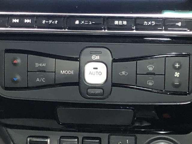 車室内を少ない電力で効率的にあたためることのできる暖房システムとして、ヒートポンプシステム(省電力暖房システム)を開発し、搭載しています。