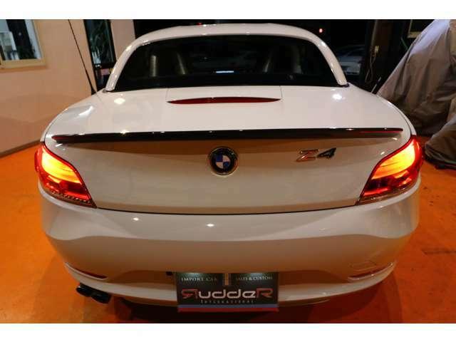 初めての輸入車でも安心してお乗り頂けるように、独自ルートのアフターパーツによる高品質低価格なメンテナンス体系を整えております。