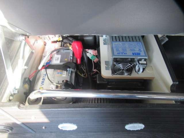 サブバッテリー、走行充電、外部充電、500Wインバーター装備です!追加架装もお任せ下さい♪