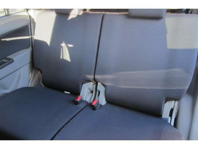 後部座席も汚れも無くキレイです!